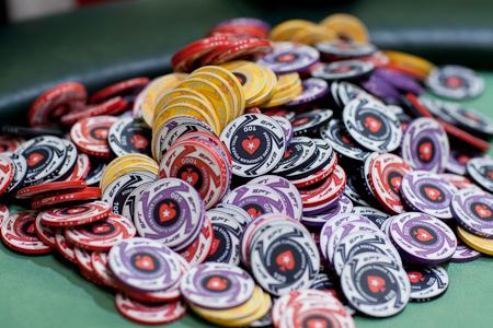 poker_chips_pile_21may15-thumb-450x300-261975.jpg